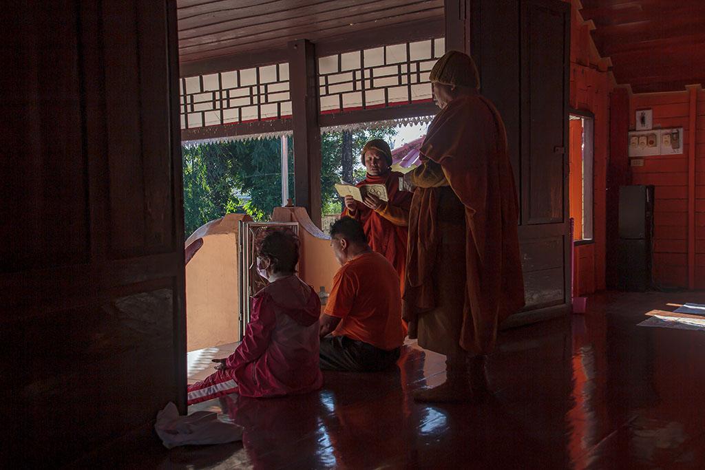 Thai Yai ceremonie Sadokro Tochata